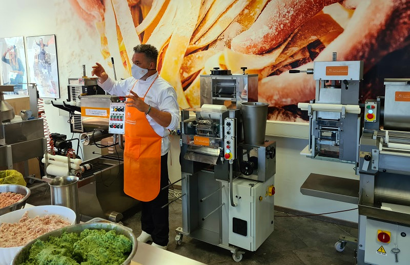 Professional courses for pasta maker